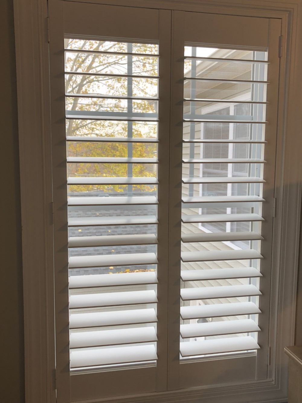 Hunter Douglas Plantation Shutters Installed In Oakland